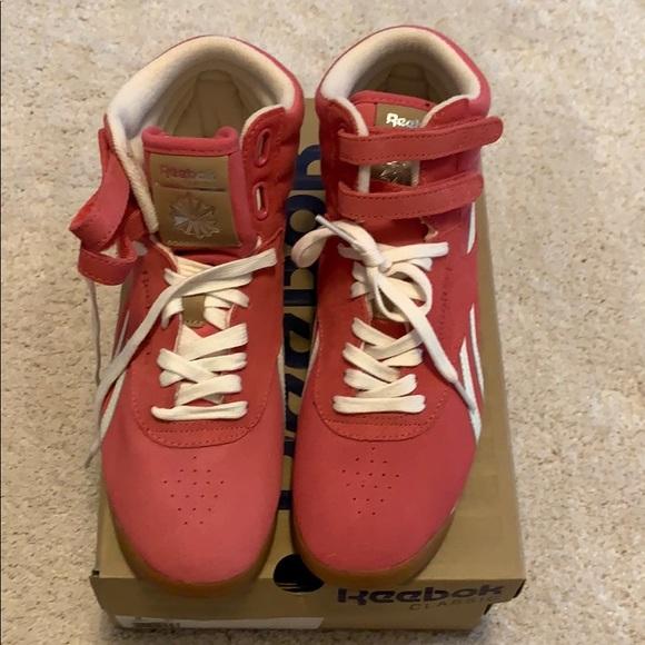7562372d4dd BRAND NEW IN BOX Reebok Classic Fashion Sneaker